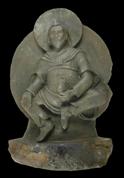"""""""Człowiek z żelaza"""" - figurka buddyjskiego bóstwa wykonana z meteorytu (Elmar Buchner)"""