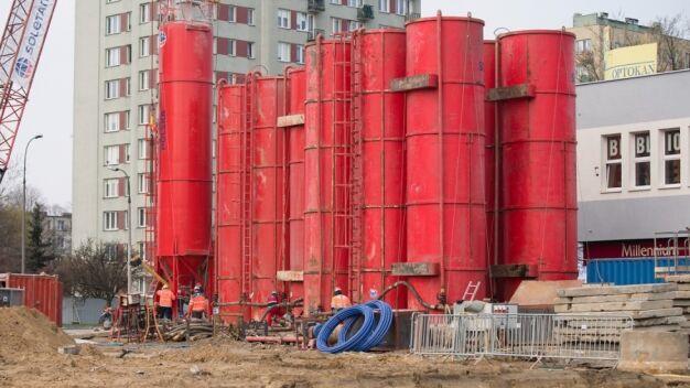 Metro na Bródno: silosy przy Kondratowicza